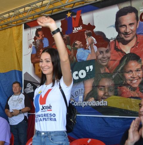 3 Fabiola D¨Córdoba, atenta a los programas sociales, educativo y de salud que desarrollará como futura Primera Combatiente de Guárico